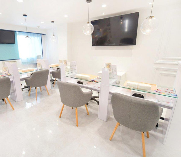 Nail & eyelash salon interior